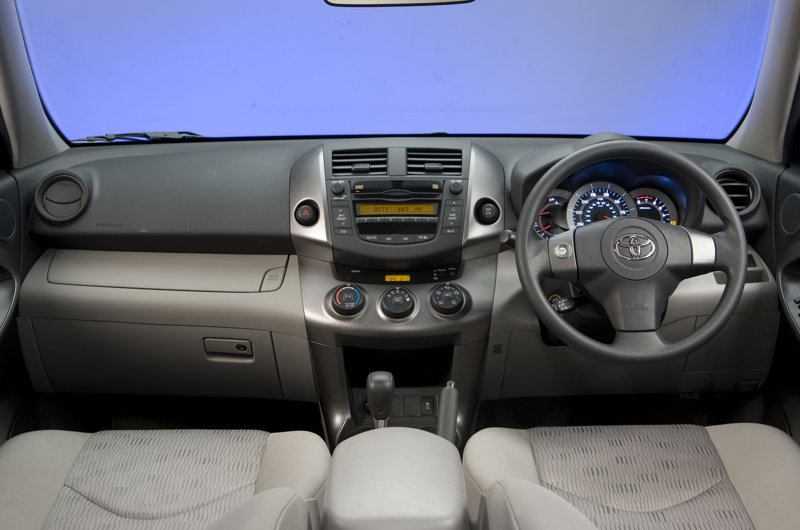 Toyota Rav-4 MK3 Dashboard